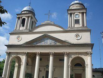 Morón, Buenos Aires - Image: Catedral Basílica Inmaculada Concepción del Buen Viaje