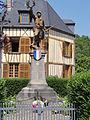 Chaumont-Porcien (Ardennes) Monument aux morts.JPG