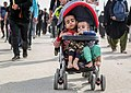 Children in Arbaeen Walk 04.jpg