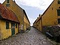 Christiansø - gaden mellem Østre & Vestre Længe set fra nord.jpg
