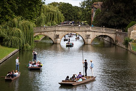 Clare Bridge over the River Cam.jpg