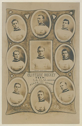 Horace Merrill - Merrill, at bottom left, with the Ottawa Cliffsides in 1909.