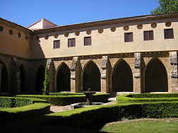 Cloister of the Monasterio de Piedra.JPG