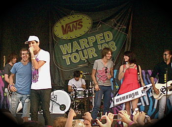 Cobra Starship auf der Vans Warped Tour 2008 in San Diego