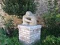 Collestrada (PG) - Statua in pietra serena - panoramio.jpg
