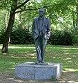 Cremer, Bronzeskulptur, Johannes R. Becher, 2.jpg
