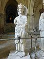 Crypte de la cathédrale Saint-Étienne de Bourges-Statues gothiques (8).jpg