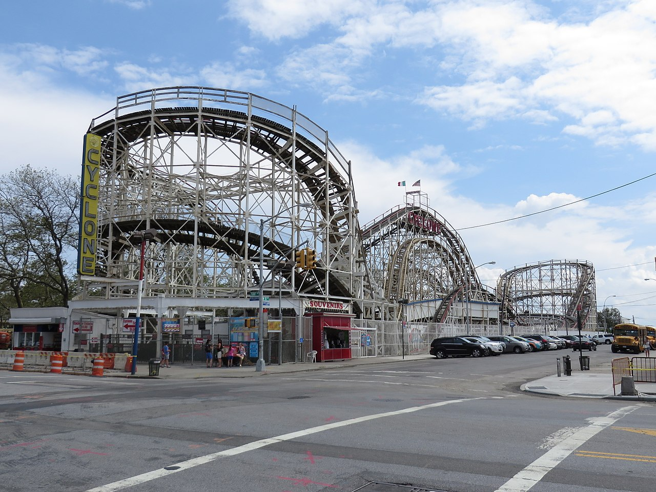 file cyclone roller coaster coney island new york wikimedia commons. Black Bedroom Furniture Sets. Home Design Ideas