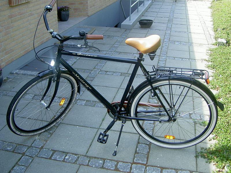 File:Cykel.JPG Description English: black Mustang bicycle