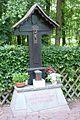 Dachsbergkapelle, Gedenkkreuz.JPG