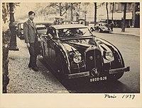 Dahong Wang at Paris 1937.jpg
