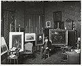 De schilder Jozef Israëls in zijn atelier, Koninginnegracht 2, Den Haag, RP-F-00-2600.jpg
