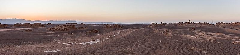 File:Desierto de Lut, Irán, 2016-09-22, DD 44-49 HDR PAN.jpg