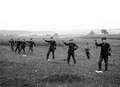 Die Stabssekretäre beim Pistolenschiessen - CH-BAR - 3241349.tif