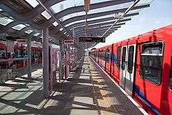 Docklands Light Railway 29 (8303909811).jpg