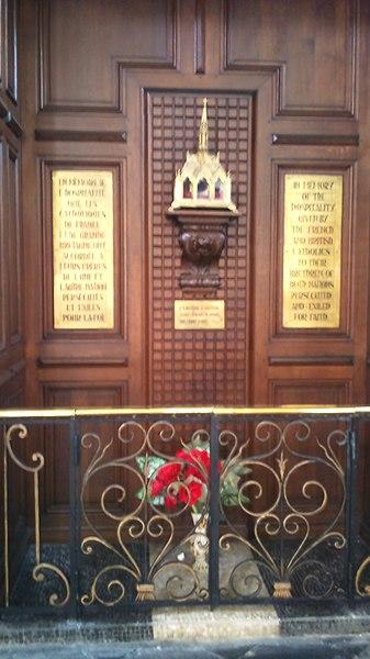 Douai - Collégiale Saint-Pierre - Mémorial à Saint John Southworth