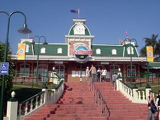 Dreamworld (Australian theme park) - Dreamworld's entrance