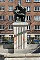 Dreimaedelbrunnen in Duesseldorf-Golzheim, von Suedwesten.jpg