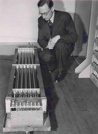 Maurice Wilkes - Maurice Wilkes inspecting the mercury delay line of the EDSAC in construction