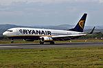 EI-DHY 737 Ryanair SCQ 02.jpg
