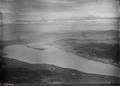 ETH-BIB-Täuffelen, Bielersee, St. Petersinsel, Tessenberg v. S. O. aus 1400 m-Inlandflüge-LBS MH01-004087.tif