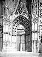 Eglise Notre-Dame - Portail ouest, une porte - Mantes-la-Jolie - Médiathèque de l'architecture et du patrimoine - APMH00036062.jpg