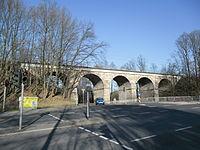 Eisenbahnbrücke über die Geißäckerstraße.JPG