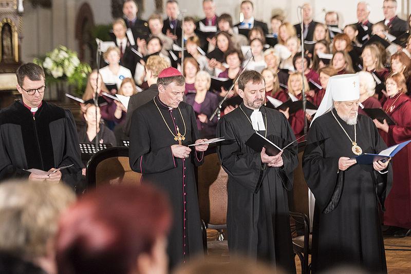 File:Ekumēniskais dievkalpojums Rīgas Domā (23110509665).jpg