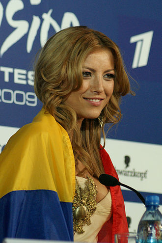 Romania in the Eurovision Song Contest - Image: Elena Gheorghe in Moscow (2009)