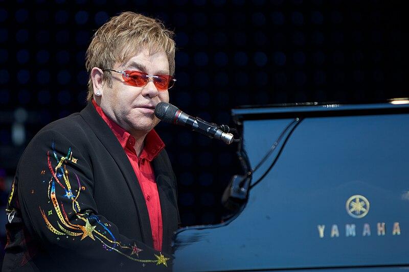 File:Elton John in Norway 1.jpg