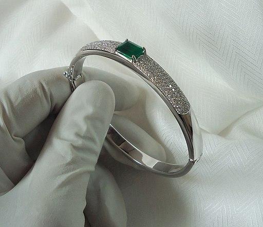Emerald bracelet 3