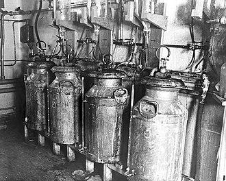 Pharmaceutical engineering - Equipment for deep-fermentation of penicillin