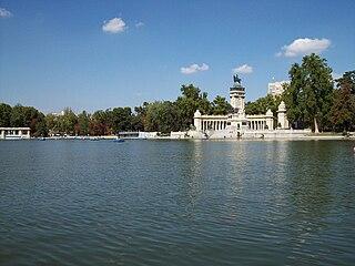 Estanque del Retiro (Madrid) 15.jpg