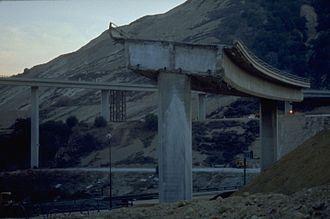 Newhall Pass interchange - Remains of the CA 14 ramp following its collapse in 1994.