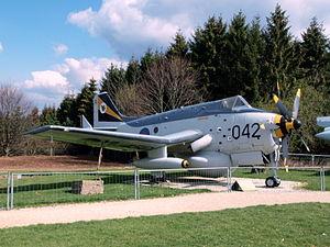 Fairey Gannet AEW3, Royal Navy XL450, cn F9433 pic-1.JPG