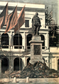 Felix Edmundovich Dzerzhinsky monument in Warsaw.png