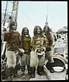 """Fire inuiter fra Grønland ombord i """"Gjøa"""", 1903 (7642133798).jpg"""