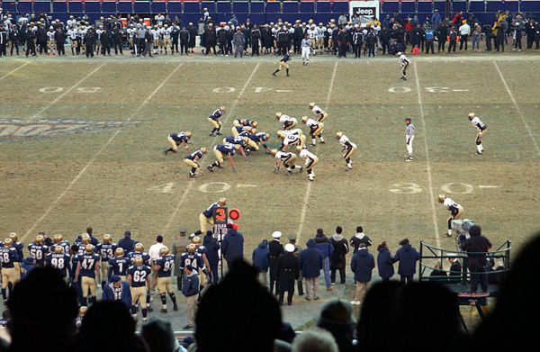 2002 Army–Navy Game at Giants Stadium. Navy is in dark and Army is 859c61ca7