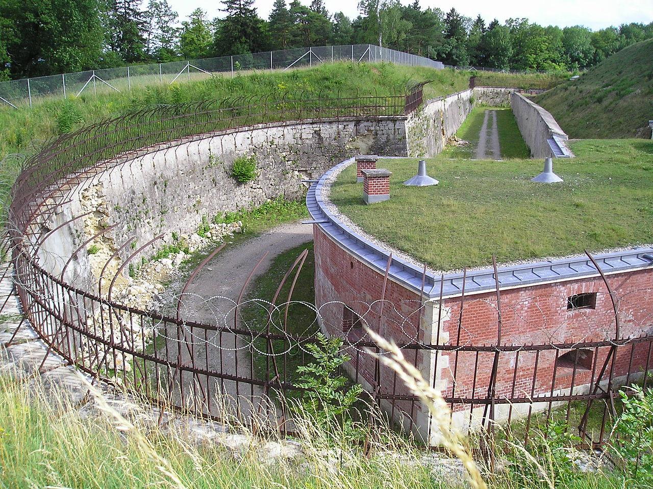 1280px-Fort_Prinz_Karl_-_Saillantkaponni