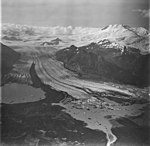 Fourpeaked Glacier, terminus of valley glacier, bergschrund and icefall on the peaks, September 4, 1977 (GLACIERS 6521).jpg
