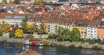 Frontage on Main River in Wurzburg 02.jpg