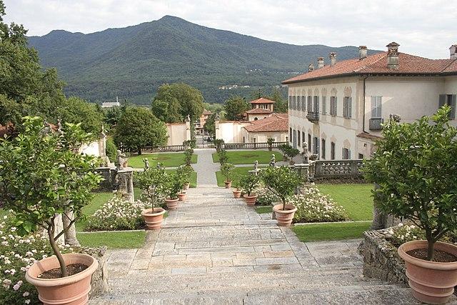 Villa Della Porta Bozzolo con il giardino ad asse orizzontale