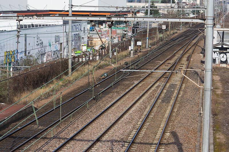 File:Gare de Grigny-Val-de-Seine - 5IMG 0137.jpg