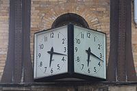 Gent clock at York railway station.jpg