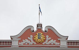 Coat of arms of Estonia - Image: Gobierno de Estonia, Tallinn, Estonia, 2012 08 05, DD 04