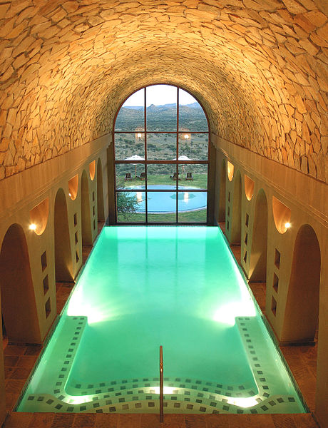 File:GocheGanas indoor heated swimming pool.jpg
