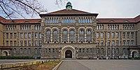 Goethe-Gymnasium B-Wilmersdorf 02-2014.jpg