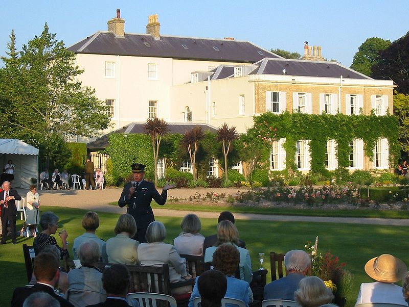 Government House, Jersey, Queen%27s Birthday reception 2005.jpg