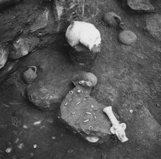 Grav 11, fynd in situ. Amathus. Agios Tychos - SMVK - C02284.tif