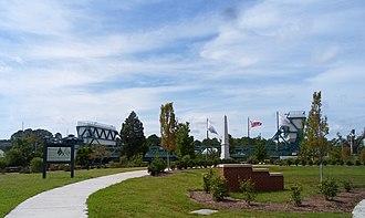 Battle of Great Bridge - Image: Great Bridge monument 1